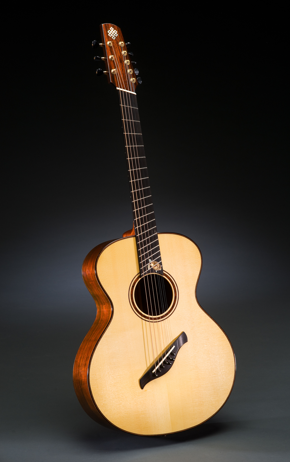 Traugott Model R Brazilian Fan Fret 8-string