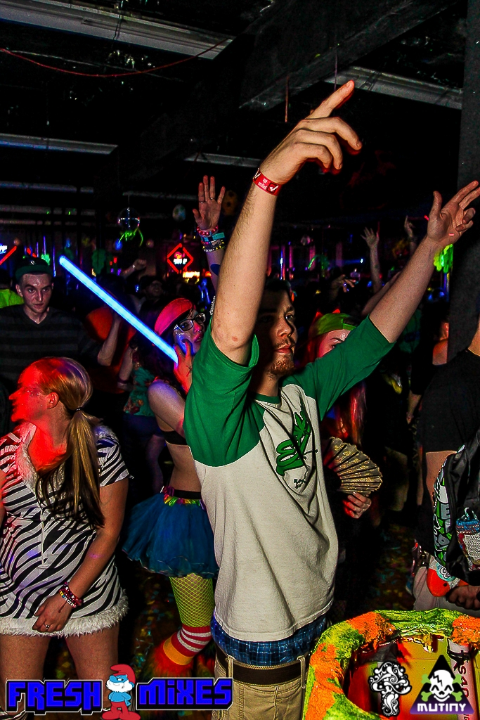 PartyAnimals3 735.jpg