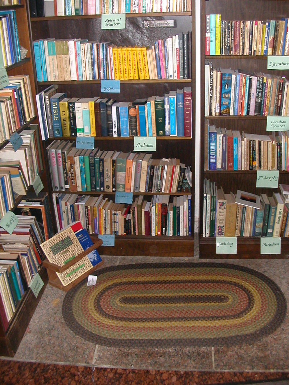 Library 004.jpg