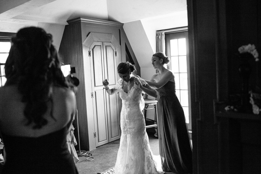 Tab & Jordan Wedding at the Red Lion Inn venue in Cohasset, MA - Wedding photographer (15)