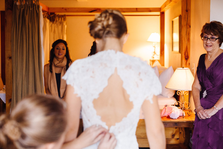 Tab & Jordan Wedding at the Red Lion Inn venue in Cohasset, MA - Wedding photographer (17)