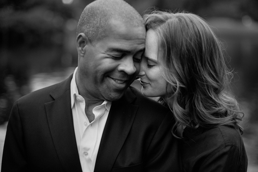 beautiful black and white portrait of a couple in the public gardens portrait photographer