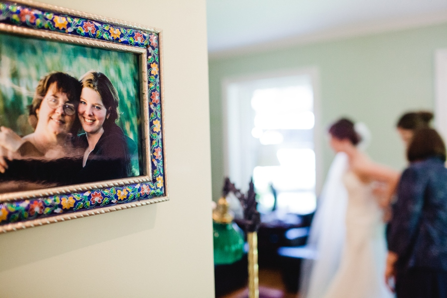 Beautiful and stylish Pierce House Wedding in Lincoln, MA New england photographer Mikhail Glabets (17)