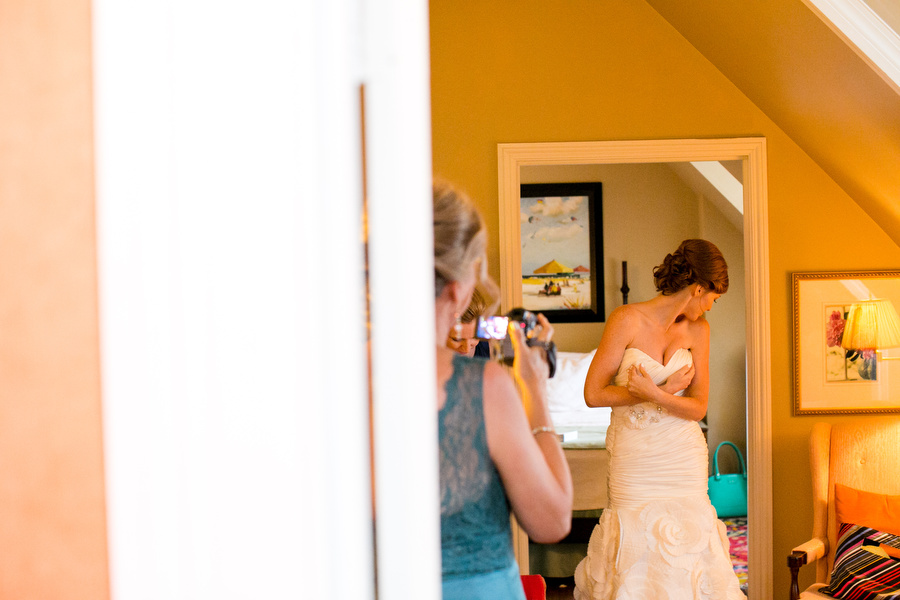 fun_modern_charleston_nc_wedding_09.jpg