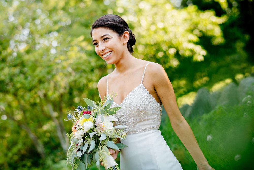 epic bridal portraits of jewish bride at moraine farm