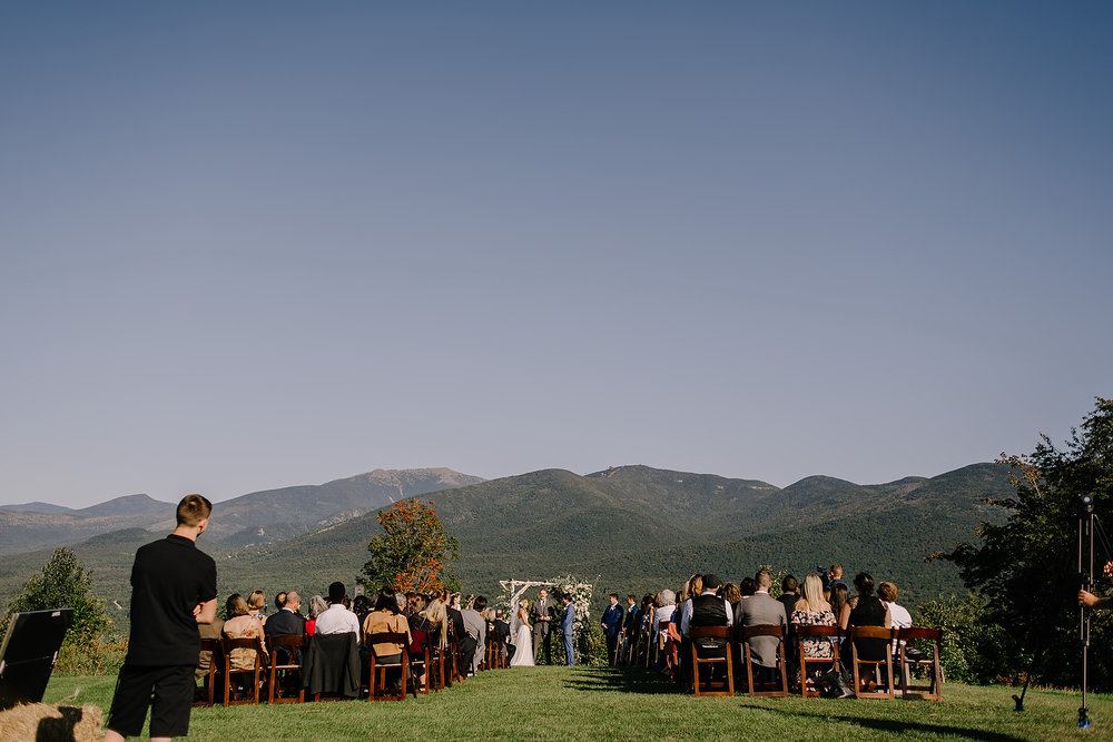 new hampshire wedding ceremonies with a mountain view