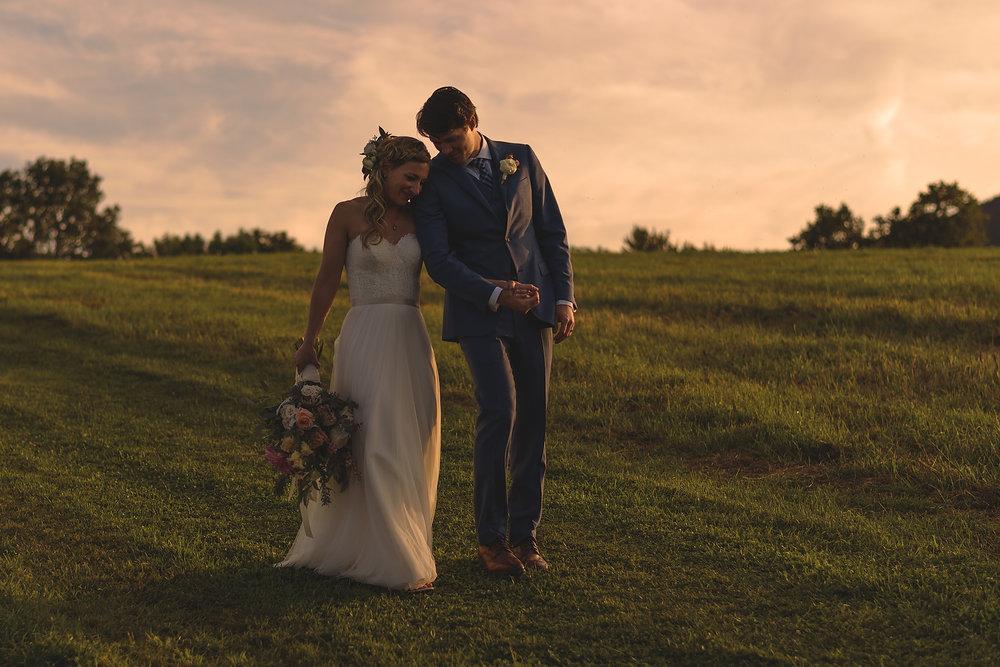 amazing mountain wedding sunset photo of couple