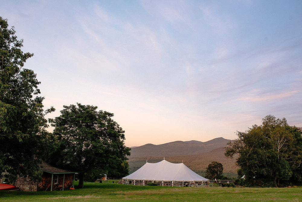 toad hill farm wedding venue outdoor photo at sunset