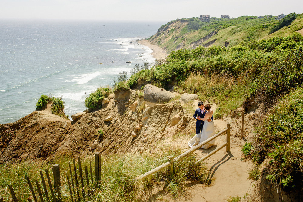 stunning wedding portraits on the cliffs at block island