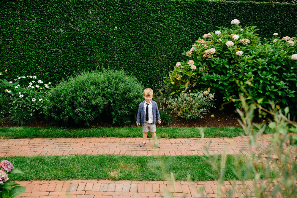 backyard_wedding_in_nantucket-mikhail-glabets_6.JPG