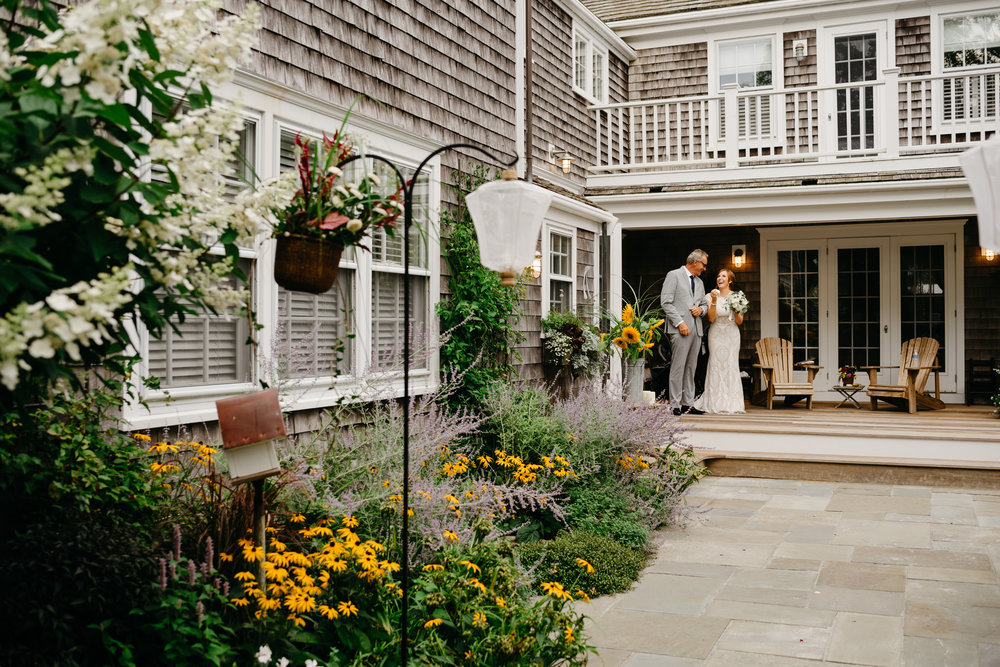 backyard_wedding_in_nantucket-mikhail-glabets_14.JPG