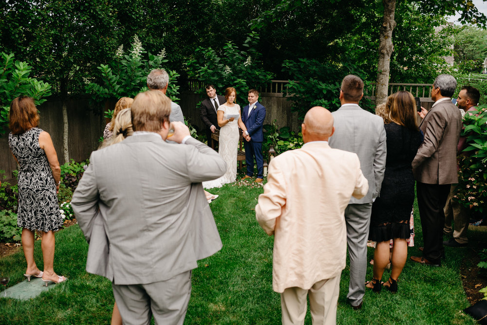 backyard_wedding_in_nantucket-mikhail-glabets_19.JPG
