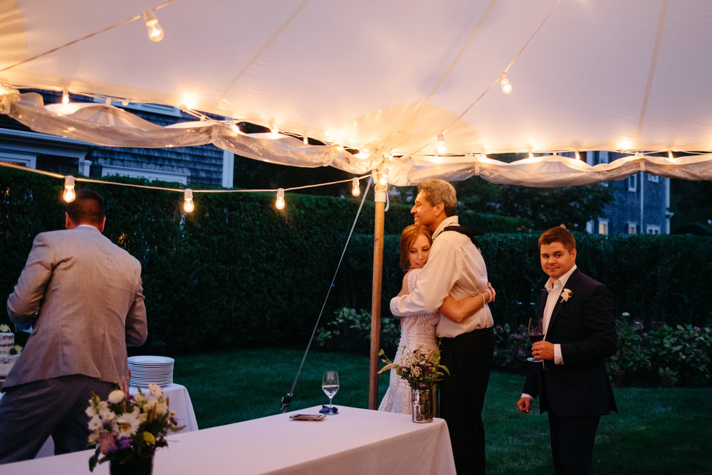 backyard_wedding_in_nantucket-mikhail-glabets_47.JPG