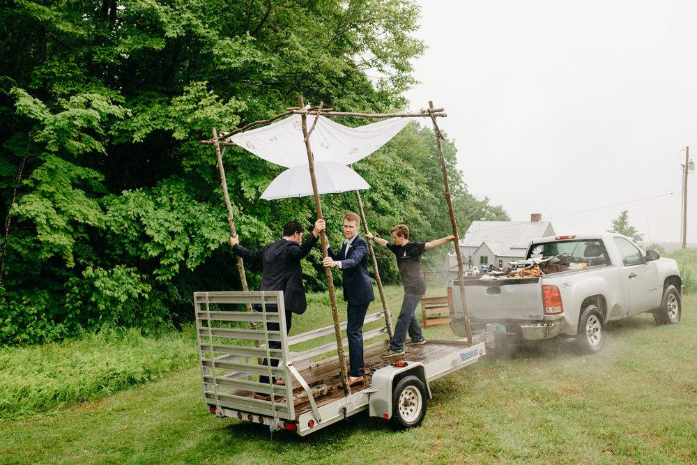vermont_farm_wedding_photos_mikhail_glabetS_17.JPG