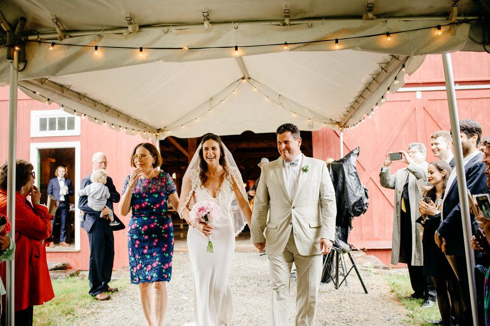 vermont_farm_wedding_photos_mikhail_glabetS_25.JPG