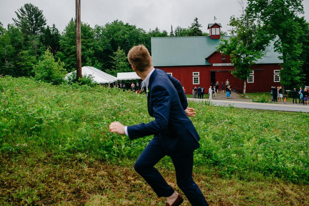 vermont_farm_wedding_photos_mikhail_glabetS_51.JPG