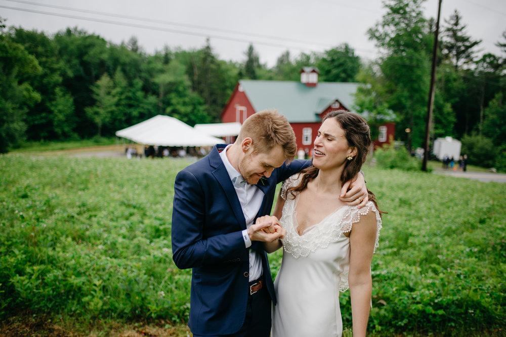 vermont_farm_wedding_photos_mikhail_glabetS_53.JPG