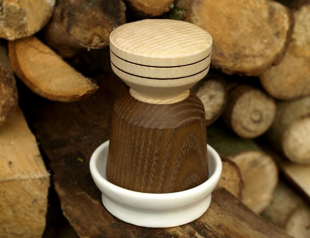Coffee tamper with 3d printed ceramic dish