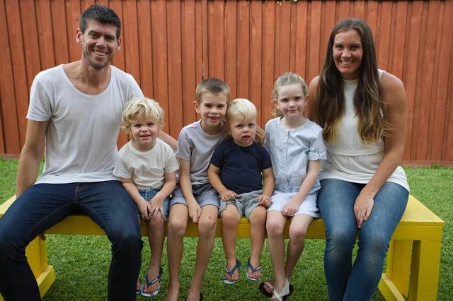 Wendy, Jason and their gorgeous kids Jedi, Maple, Israel and Elroy..... um hot mumma alert!
