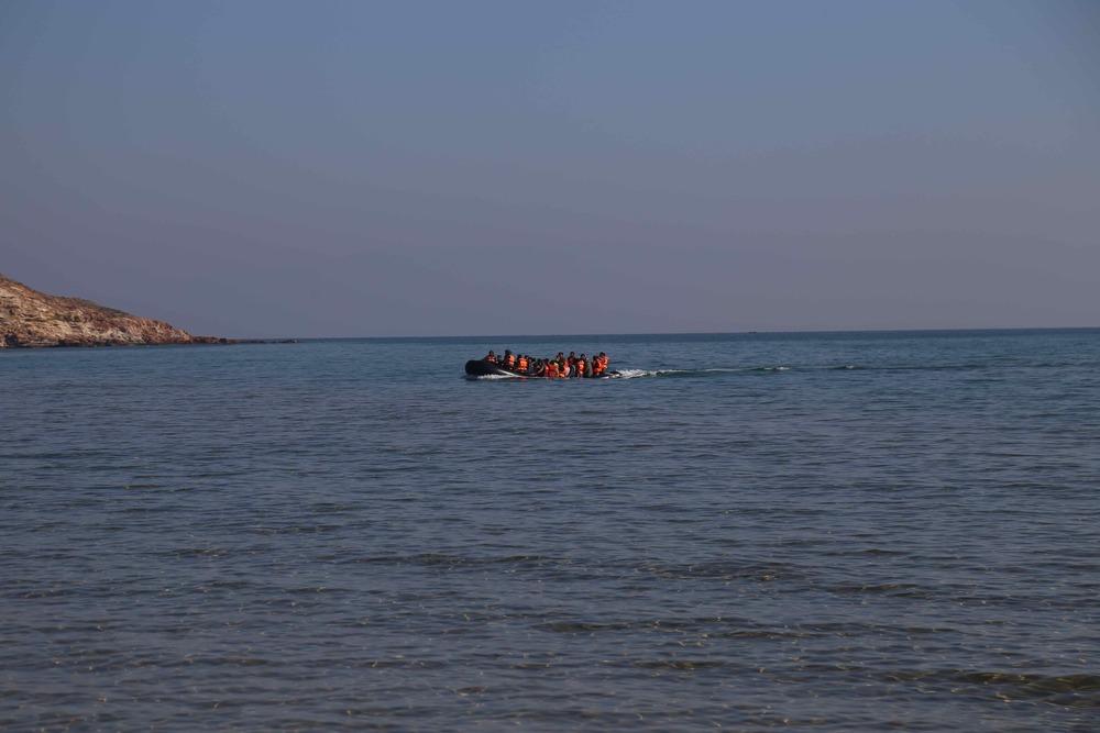 Boat Incoming sm.jpg