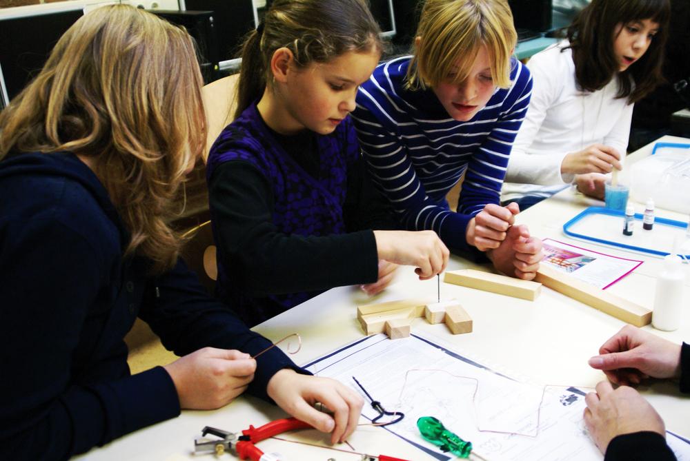 Diverse kids aan de slag met De Techniek Torens