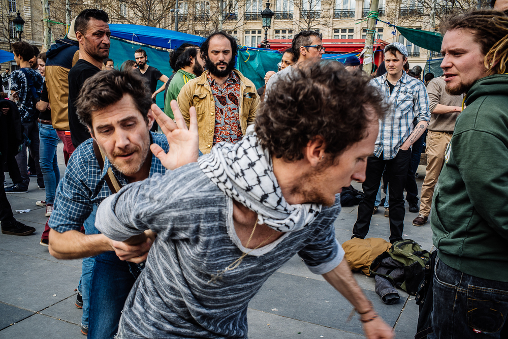 Protestors learning how to disarm an attacker with a baton, 3rd April 2016.