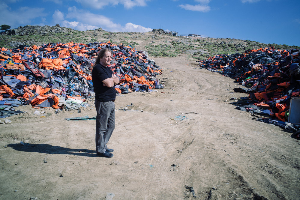Mr Eric Kempson, a British based on Lesvos, and his family have been very active in providing aid to the asylum seekers arriving along the shores of Eftalou and Molyvos but has been receiving many threats from local groups who told him to either stop giving assistance or to face the dire consequences. He had to send their daughter away eventually for her own safety but continues to work with the new arrivals.