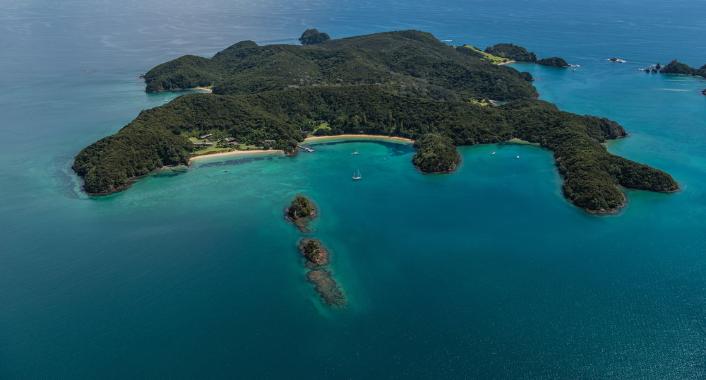 BAY OF ISLANDS - AN ISLAND PARADISE AWAITS