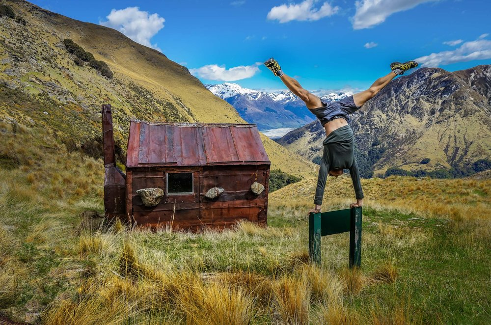 HIKE IN THE SOUTHERN ALPS - OTAGO
