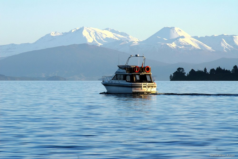 CRUISE ON LAKE TAUPO - TAUPO