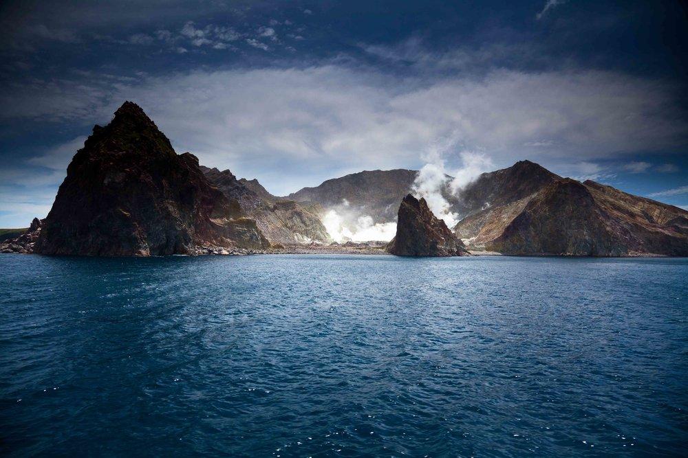 登陆活火山观光 - 怀特岛 -
