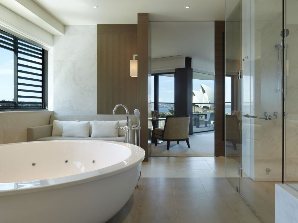 Park-Hyatt-Sydney-P062-Sydney-Suite-Bathroom.adapt.4x3.1280.720.jpg