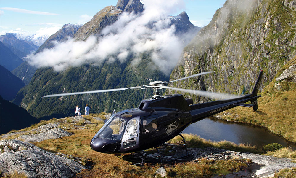 gallery-Over-The-Top-Alpine-Lake-Fiordland (2).jpg