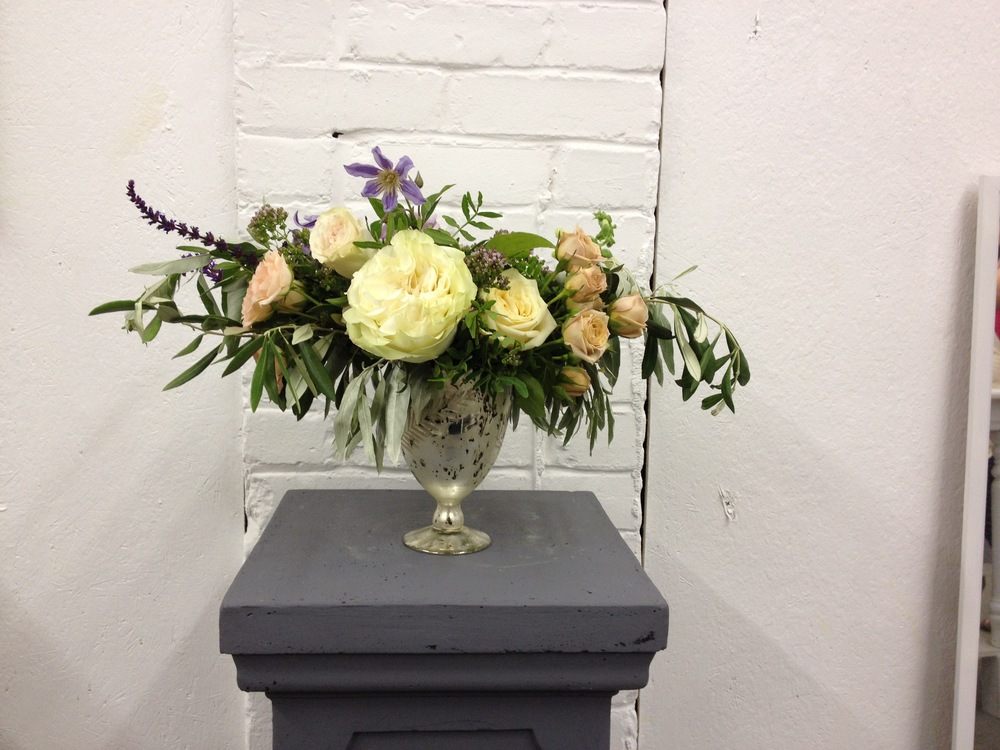 Here's another arrangement for the above wedding. I love the white brick background in the SW studio. So cute!