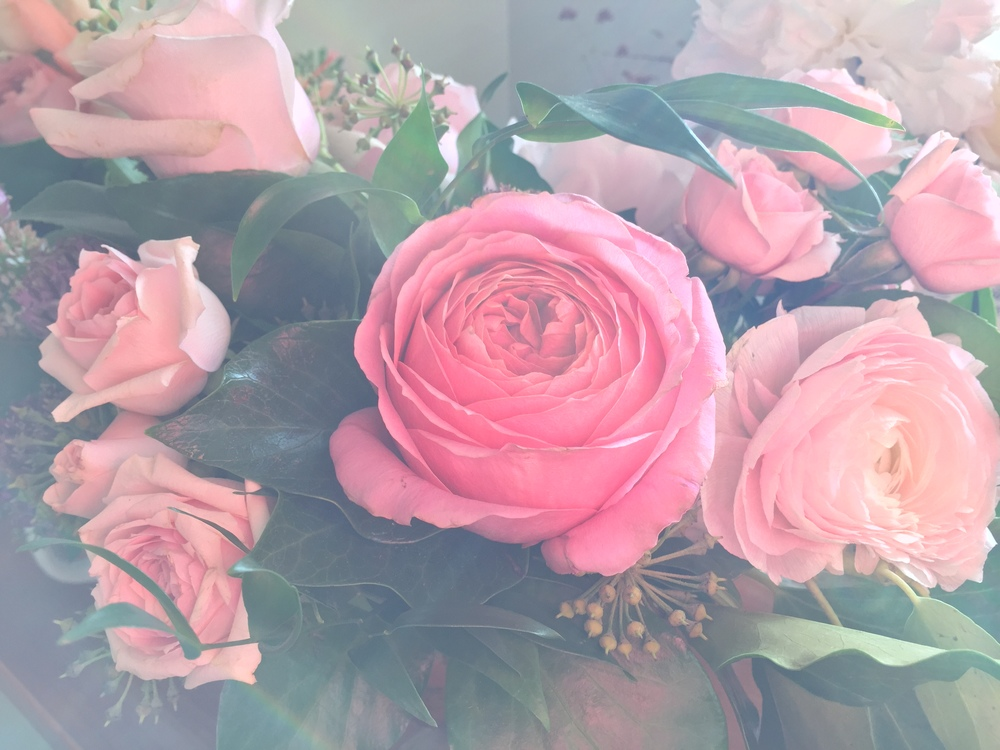 dreamy wedding centrepiece with garden roses | Quill+Oak floral design Toronto