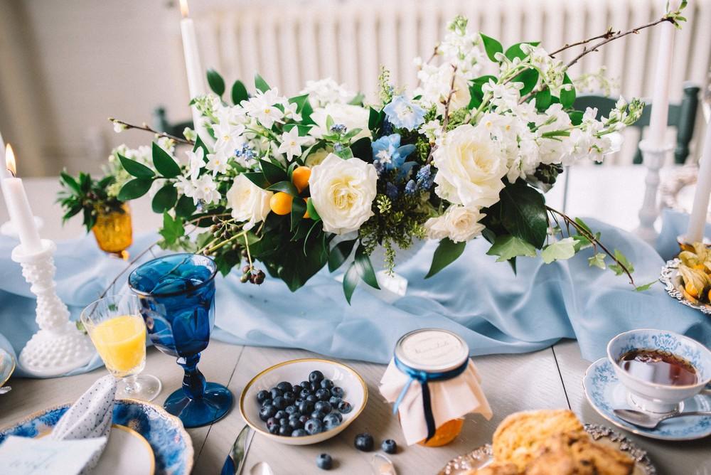 blue inspired wedding table centre piece | Quill+Oak Floral Design Toronto, Hamilton, Niagara