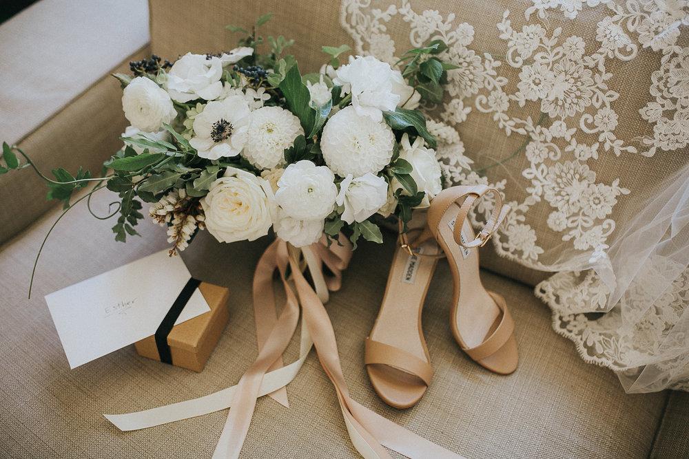Elegant White Bridal Bouqeut | Quill+Oak Floral Design Toronto, Hamilton, Niagara