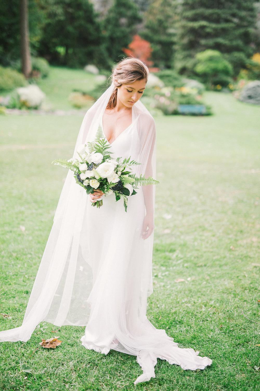 Fresh white and green garden-style wedding | Quill+Oak Floral Design Toronto, Hamilton, Niagara