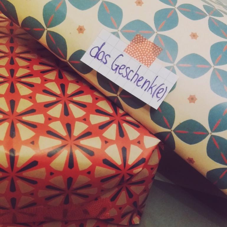 das Geschenk - present