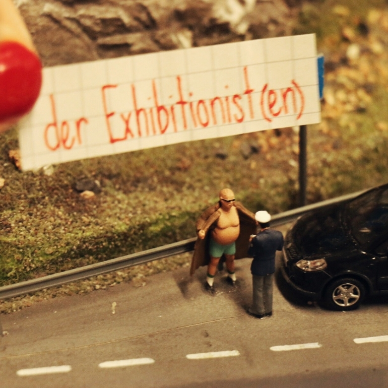 flasher_exhibitionist_miniatur_wunderland.jpg