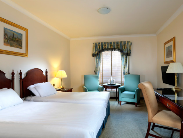 Hotel bedroom 2.jpg
