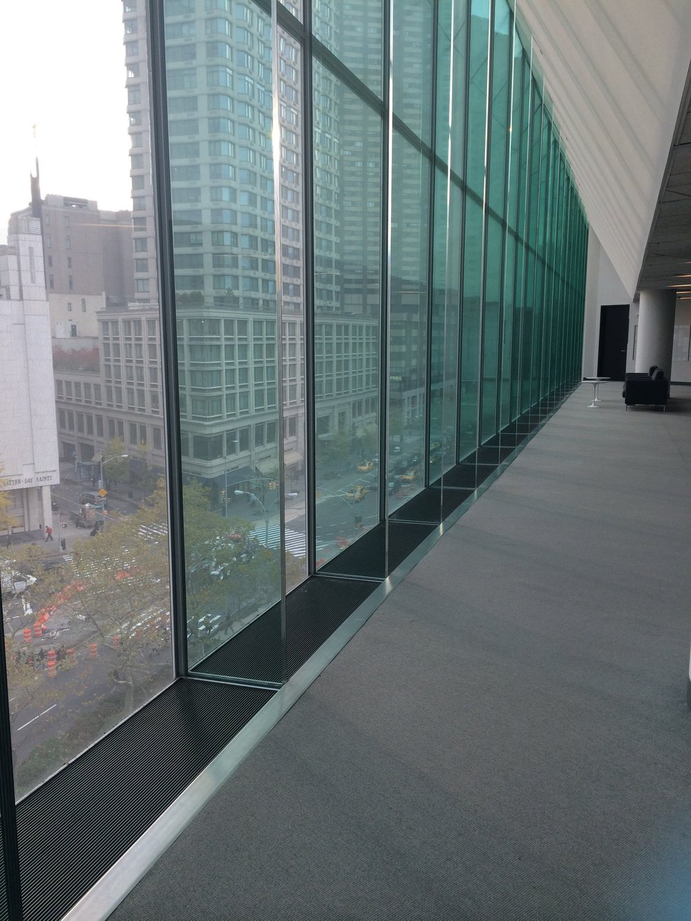 (The window wall on the 5th floor)