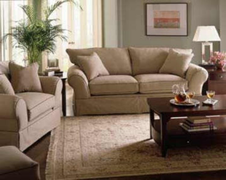 Living Room With Kashmiri Carpet