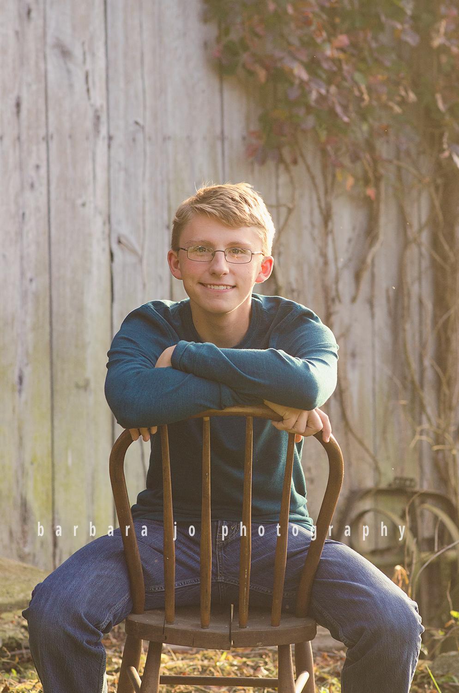 bjp-senior-photographer-class-of-2018-nphs-teen-barn-family-farm-guy-fall-adam4.png