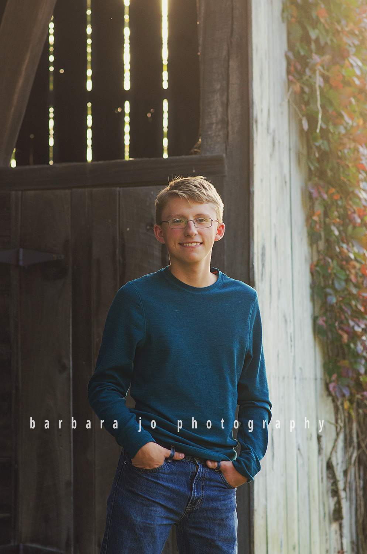 bjp-senior-photographer-class-of-2018-nphs-teen-barn-family-farm-guy-fall-adam1.png