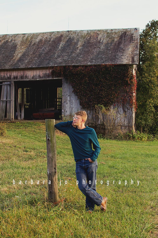 bjp-senior-photographer-class-of-2018-nphs-teen-barn-family-farm-guy-fall-adam5.png