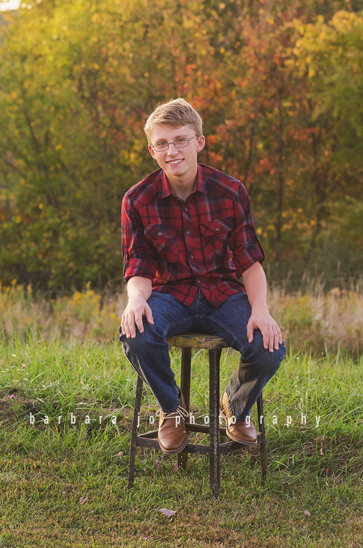 bjp-senior-photographer-class-of-2018-nphs-teen-barn-family-farm-guy-fall-adam12.png