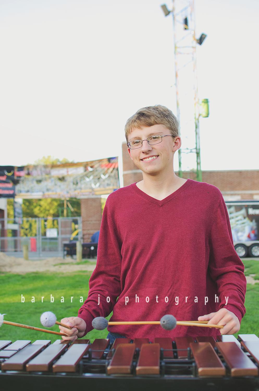 bjp-senior-photographer-class-of-2018-nphs-teen-barn-family-farm-guy-fall-adam14.png