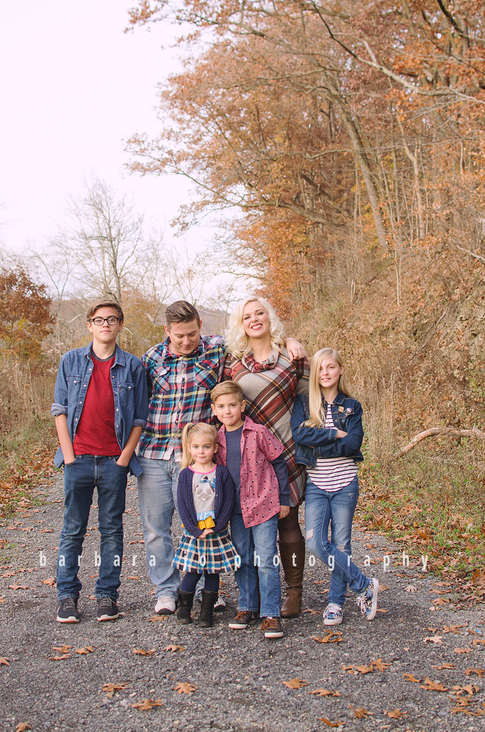 bjp-family-children-photographer-dover-oh-mini-sessions-fall-autumn-fantin3.png