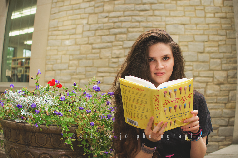 bjp-senior-pictures-class-of-2018-dover-high-school-library-book-ohio-reader-portrait-taylor1.png